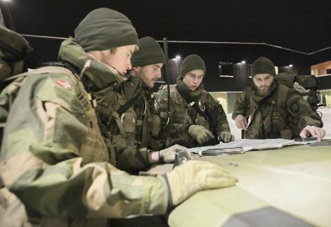 PÅGREP FRANSKMENN: Magnus Knudsen (19) fra Hammerfest var med i en patrulje som pågrep tre franskmenn på grensen mellom Norge og Russland torsdag i forrige uke. Foto: Forsvaret