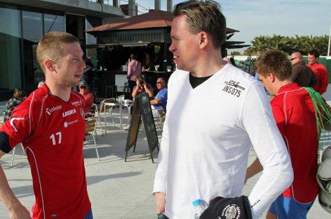 REAGERER: Agent Kent Karlsen, her med Thomas Drage i Spania i 2013, reagerer på avtalen mellom TIL og Hans Norbye. Karlsen representerer Norbye, men var ukjent med avtalen som Norbye er enig med TIL om.