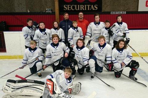 Tromsø Ishockeyklubbs gutter er ikke helt i topp humør etter siste kamp i Kabben Cup i Sverige. Veien hjem til Tromsø bød på to strømbrudd, to sporfeil, to uventede bussturer og rundt 15 timer ekstra reisetid.