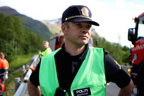 Politimannen Helge Horne på Jobb i Lavangsdalen i august 2008, halvannet år før han ble skadet i tjeneste. Foto: Lina Livsdatter