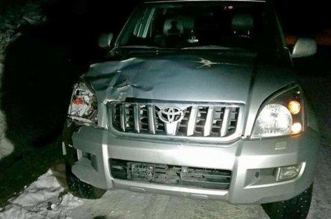 Bilen fikk store skader i sammenstøtet.