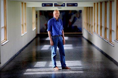 INGEN NEDLEGGELSER NÅ: Klinikksjef Magnus P. Hald. Foto: Yngve Olsen Sæbbe