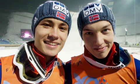 Johann Forfang (t.v) hadde selskap av blant annet Phillip Sjøen på det norske laget som vant laggull i junior-VM. Foto: Norges Skiforbund
