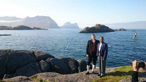 GIFTET SEG: Andreas Hobbelstad og Frank-Daniel Elingsen giftet seg i Senja tingrett på Finnsnes fredag. Lørdag skal de i Skøelv kapell å få en kirkelig velsignelse.