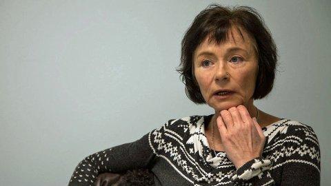 KRITISK: Hege Storhaug i Human Rights service går hardt ut mot norske politikere, som hun mener er for feige til å vedta felles retningslinjer for bruk av heldekkende plagg i svømmetimene.  Foto: Harald Fjelddalen (Mediehuset Nettavisen)