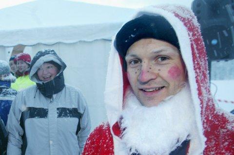PYNTET: Vi regner med at Thomas Hafstad stiller i dette antrekket til innspilling, siden det nærmer seg jul.