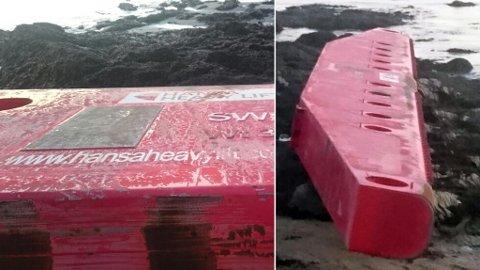 37 TONN: Den gigantiske bommen fra kranskipet Freemantle ble kastet på havet av det polar lavtrykket i januar. Nå har bommen drevet i land i Burøysund.  Foto: Ronny Paulsen, Karlsøy kommune