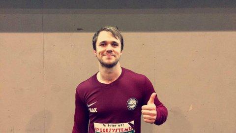 BANENS ENER: Aleksander Lenning spilte en stor kamp på topp for Krokelvdalen - som vant hele 10-1.