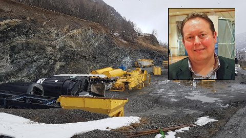 OMSTRIDT: To fronter strider om asfaltverket: Bygdefolket ved Olavsvern og bedriftene NCC/Olavsvern Group. Nå undersøker formannskapet saken.