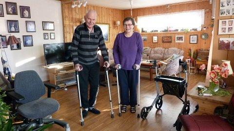 SAMMEN I TYKT OG TYNT: Arne og Margit Rotnes har begge skiftet ut slitte høyrehofter med hofteproteser. Nå vil de takke de gode hjelperne de har møtt på veien.