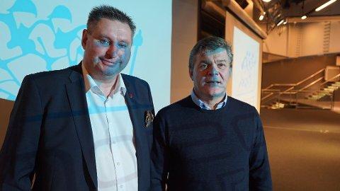 PÅ PLASS: Ordfører i Narvik og styreleder i Alpin VM 2025 AS, Rune Edvardsen, og daglig leder Erik Plener fikk med seg anbefalingen fra arbeidsgruppen. Foto: Odd-Georg H. Benjaminsen