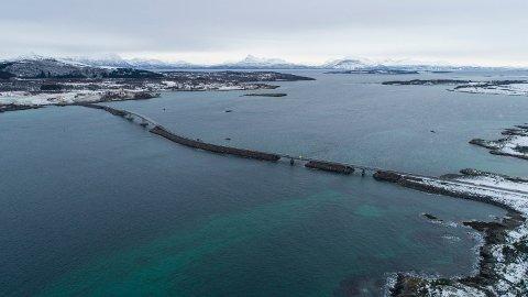 SANDSØYSUNDFORBINDELSEN: Slik ser forbindelsen Fv. 125 mellom Grytøy og Sandsøy ut. Foto: Tomas Rolland, Statens vegvesen