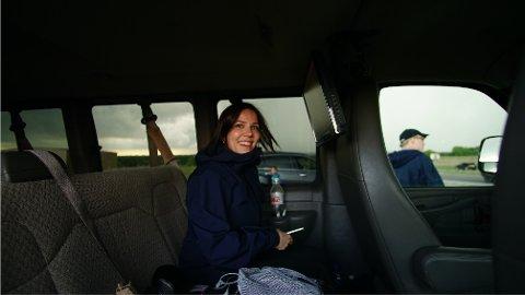 BARNEDRØMMEN: Tromsøkunstner Lone Slydahl dro på «drømmeferien» til USA for å jakte tornadoer.