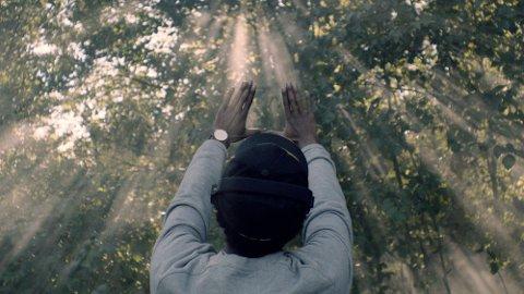 PÅ TURNÉ: Tromsø Internasjonale Filmfestival skal turnere Russland for å vise fram nordnorsk film de neste ukene. Bildet er hentet fra en av filmene som skal vises fram, «No man is an island», årets Amanda-vinner for beste kortfilm.