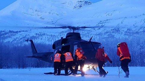 AVSLUTTES: Tre av de fire skiløperne er gravd opp av snømassene i Tamokdalen. Nå avsluttes søket etter den fjerde frem til vårløsningen.