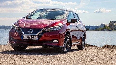Nissan Leaf 62 kWt markedsføres med å være klar for å lade med 100 kW. Det kan den ikke, ifølge NAF. Foto: Magnus Blaker