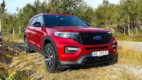 SKROTER PRISØKNING: Ford Explorer lå an til å bli over 43.000 kroner dyrere fra årsskiftet - men nå er regjeringens forslag til avgiftsøkninger skrotet i avtalen med Fremskrittspartiet.