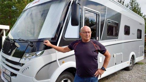 BEKYMRET: Birger Fagerhaug har hjertet i halsen hver gang han svinger ut på europaveien i Oteren. Nå ønsker han endring.