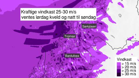 KRAFTIG VIND: Hele Troms vil merke uvanlig kraftig vind for årstiden gjennom kvelden og natten.