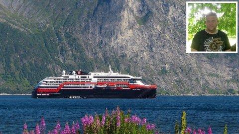 SKAPER REAKSJONER: Her er MS Fridtjof Nansen i Mefjord søndag. Bent-Eivind Joahnsen (innfelt) reagerer på besøket.
