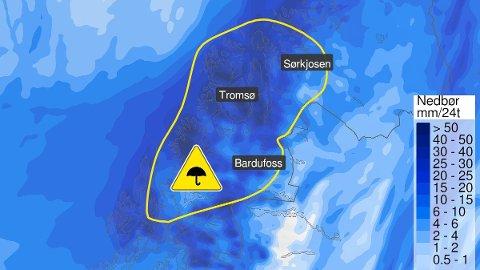 INNSTILLER AVGANGENE: Sterk vind i ytre deler av Troms fører til at fergene må innstille avgangene sine.