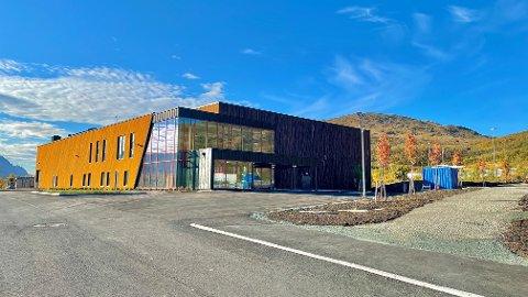 TAS I BRUK: Barn, unge og voksne på Kvaløya kan fra 22. oktober ta i bruk Rødtindhallen på Storelva.