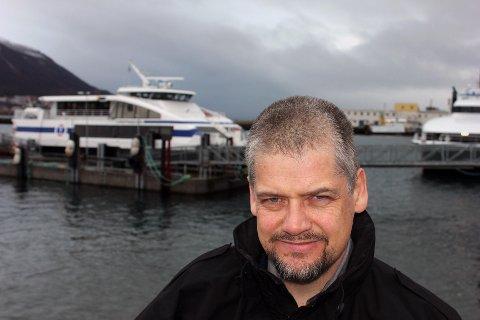 UHOLDBART: Direktør Kurt Bones i Troms fylkestrafikk reagerer på at trusselen om nedleggelse av selskapet blusser opp til stadighet.   Foto: Bengt Nielsen