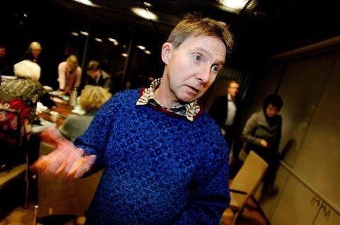 KRITISK: Jens Ingvald Olsen, gruppeleder Rødt, Tromsø kommune mener vann- og avløpssaken er en av de største skandalene i Tromsø kommune. Foto: Torgrim Rath Olsen