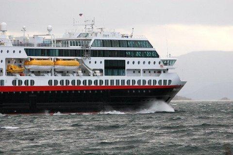 GODT RESULTAT: Hurtigruten sitter igjen med 269 millioner kroner i overskudd før skatt i tredje kvartal i år. Foto: Ole Åsheim