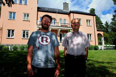NANSENINSTITUTTET: Seniorforsker Lars Rowe (t.v.) og nestleder Arild Moe ved Fridtjof Nansens institutt i Oslo er begge Russlands-kjennere. Foto: Rune S. Alexandersen