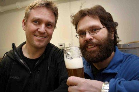 GOD SORT: Pass opp Mack, her kommer et nytt øl fra Senja som er fint nok for selveste kronprinsen. (Foto: Torgeir Bråthen)
