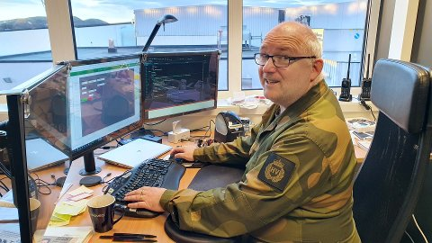 OVERALT, ALLTID: Kristen Høyforslett er én av rundt 40.000 heimevernssoldater. Fredag stilte han i sin militære uniform i anledning «uniform på jobben-dagen».