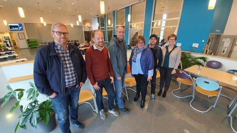 BREDDE: Arrangørene bak Blå Konferanse representerer bredden i næringsliv og kunnskapsformidling i Ytre Namdal. Fra venstre: Lars Fredrik Mørch (Namdalskysten Næringsforening), Tore Ramstad (Sparebank1 SMN), Halvor Mortensen (Val vgs), Gretha Aarseth Nordbøe (prosjektleder, Ytre Namdal vgs) og Einar Overrein (Salmonor).