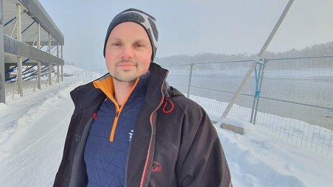 IKKE ALENE: Rune Olsen, daglig leder og medeier i Viteq, roser lokomotivene i det lokale næringslivet for å satse på lokale leverandører. – Vi har på ingen måte vært alene om suksessen, sier elektrogründeren.