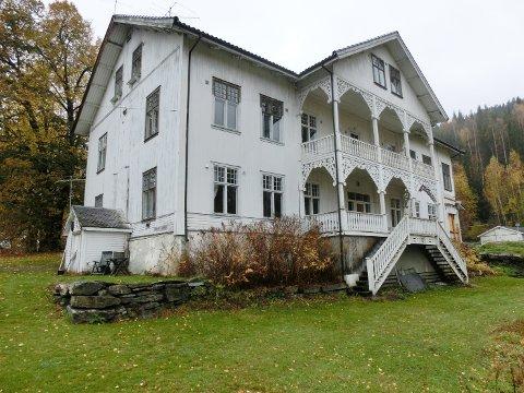PRØVER IGJEN: De som vil sette Odnes Hotell i skikkelig stand igjen, har også denne runden søkt Kulturminnefondet om penger.