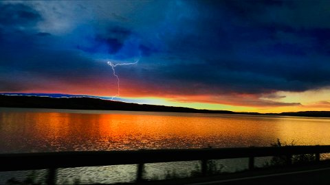 HVA ER DETTE? Gunn Merete Bergli tok dette bildet fra Bråstad i Gjøvik onsdag morgen.