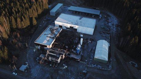 UTRADERT: Som bildet viser, er det store ødeleggelser etter eksplosjonen på Eina.