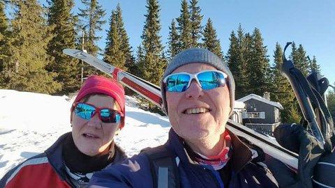 En juleselfie: Bjørn Iddberg sammen med kona Mette på hytta i Hugulia.
