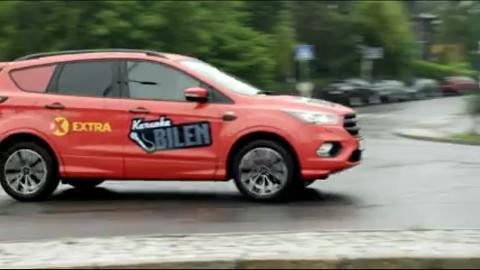 PÅ DOKKA: Det er bare å varme opp stemmen for «Extra» karaoke bilen som kommer på besøk.