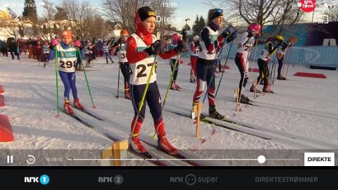 Sportens superlørdag på NRK1 sender direkte fra kretsmesterskapene i langrenn og alpint på lørdag i helgen. Klokka 13.40 var det jenter klasse 12 som sprintet avgårde i løypene på Fastland.