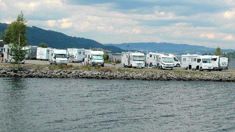 FORBUDT: Kommunestyret i Gjøvik vedtok å stenge campingplasser, campinghytter, oppstillingsplasser for bobiler og gjestehavner.