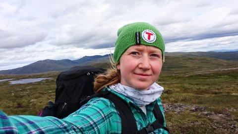 FØRSTE LANGTUR: Anna på tur i Stjørdalsfjella på vei til Sverige på sin første lange tur helt alene.