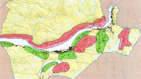 PRIORITERTE OMRÅDER: De rosa områdene på kartet er prioritert for bredbåndutbygging med midler fra 2018. De grønne områdene er prioritert for utbygging i neste runde.