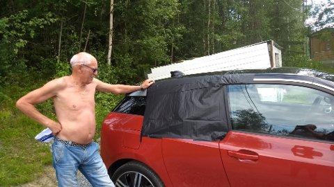 HELT NY: – Bilen var helt ny, de hentet den på fredag, sier Ivar Nydahl, far til mannen som eier bilen.