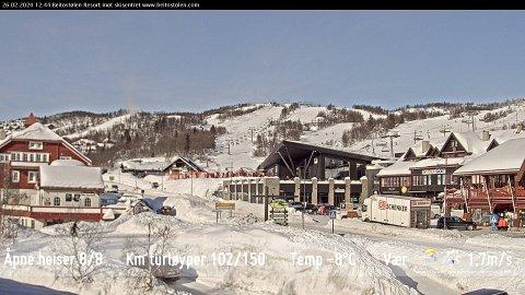 FULL VINTER: På Beitostølen er det store snømengder og full vinter. Foto: Webcam Beitostølen Resort