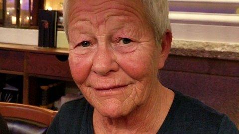 SENDT HJEM: Mari Nisja (72) var på rehabilitering og opptrening for å bruke protese da korona-viruset dukket opp i Norge. Fredag ble hun sendt hjem og må klare seg så godt hun kan selv med trening. Foto: Privat