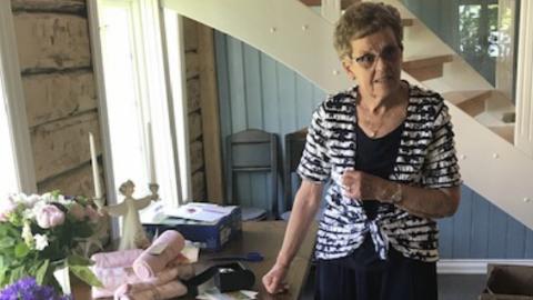 SKULLE HJEM: Meningen var at Randi Røberg skulle hjem til sin egen bolig etter rehabiliteringsopphold. Nå har Statsforvalteren konkludert med at hun mottatt uforsvarlige helse- og omsorgstjenester før hun døde 20. mars i fjor, 78 år gammel. Bildet er tatt på hennes 75-års dag.