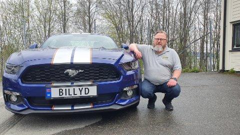 BILLYD: Tom Arne Glommen var ikke i tvil om hvilket skilt som kunne passe til Mustangen.