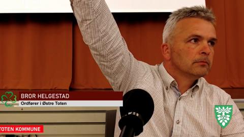 PRESTISJESAK: Ordførere Bror Helgestad (Sp) brukte et trumfkort han har for å få omgjort et vedtak til fordel for tidligere Sp-ordfører Hans Seierstads sønn.