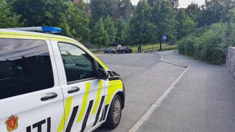 PÅKJØRSEL: Politiet avhørte flere vitner i tillegg til den uheldige sjåføren, som fikk førerkortet beslaglagt på stedet.